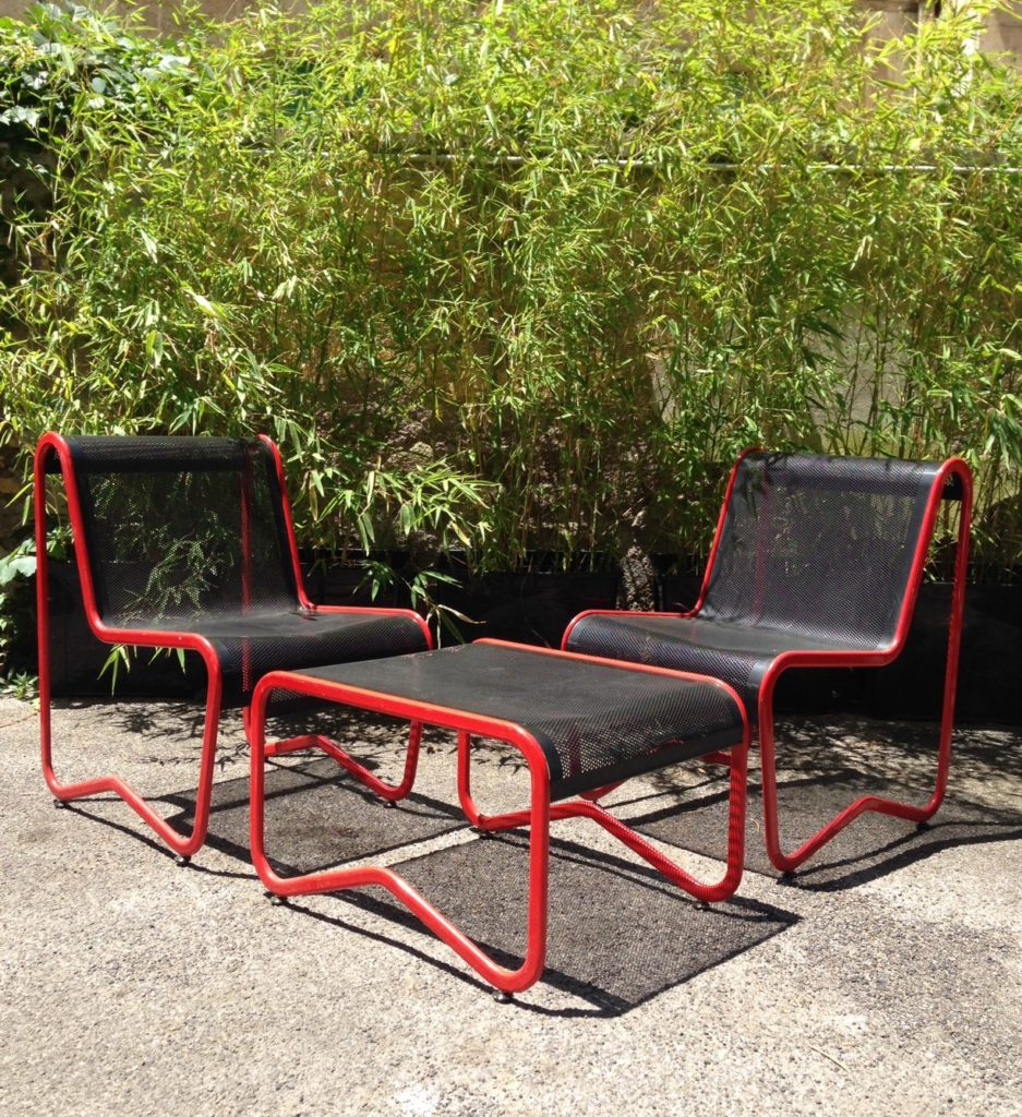 Black and red iron vintage garedn set from 60/70s