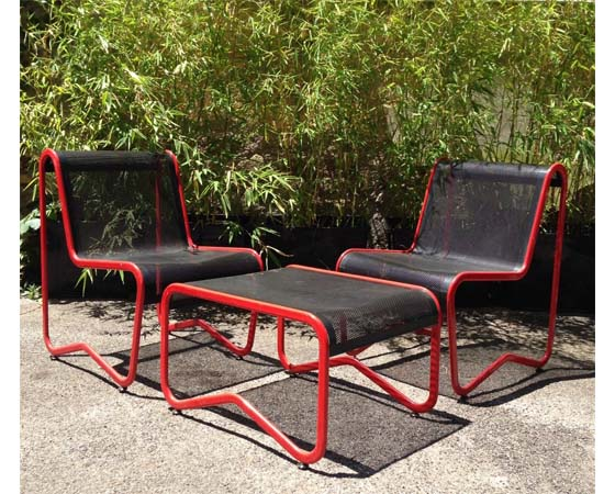 Black and red iron vintage garden set from 60/70s