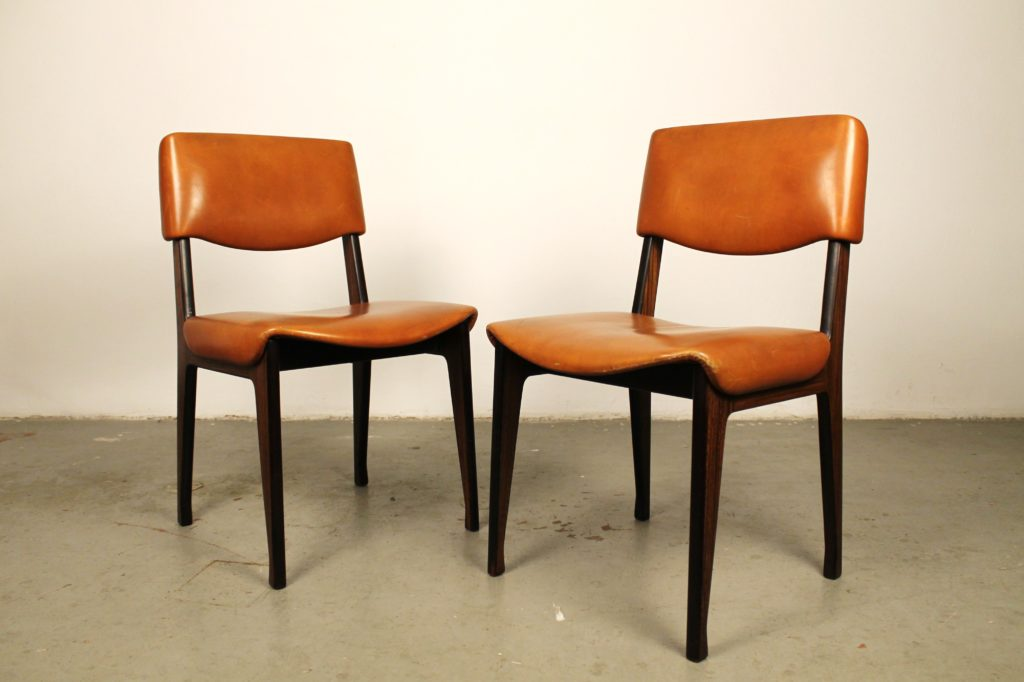 Pair of italian chairs by Ico Parisi for M.I.M.