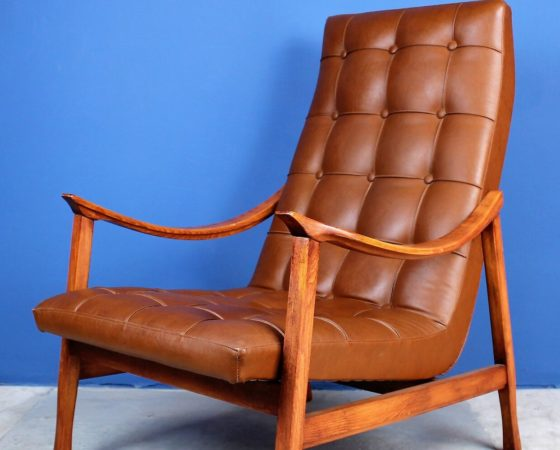 Mid-Century Scandinavian Lounge Chair in Solid Wood and Eco-Leather